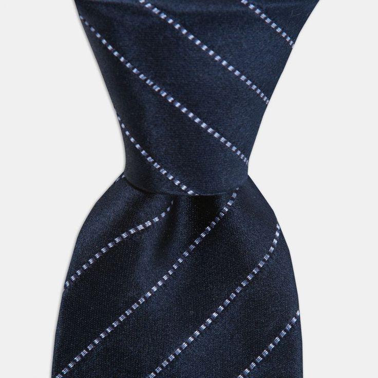 Mavi Çizgili Lacivert İpek Kravat