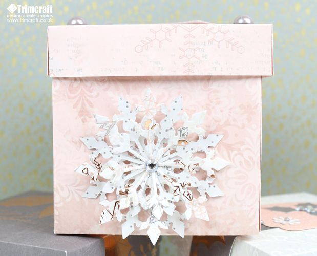 Create quick and easy gift boxes to make your gift even more special. Watch the tutorial and download the template
