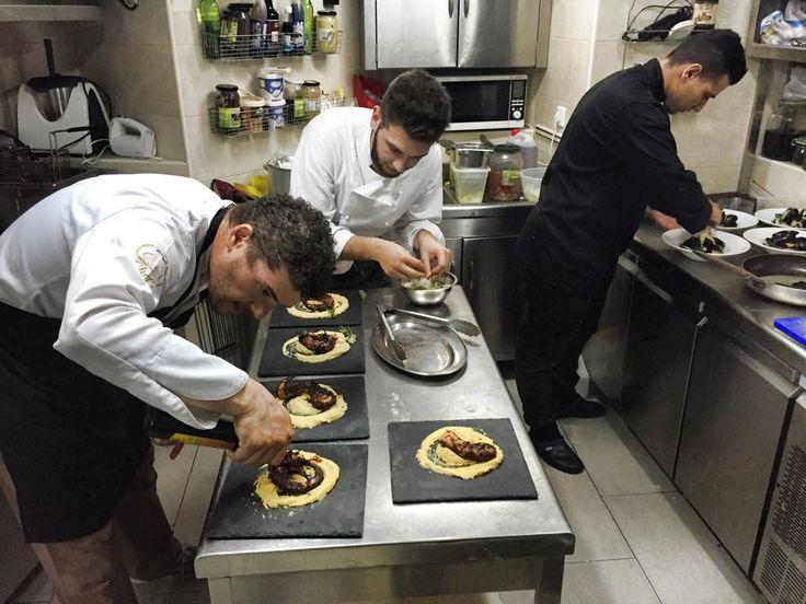 Prepare amazing dishes !!! #Halkidiki #Restaurant #PortoValitsa http://seaoftastes.com/