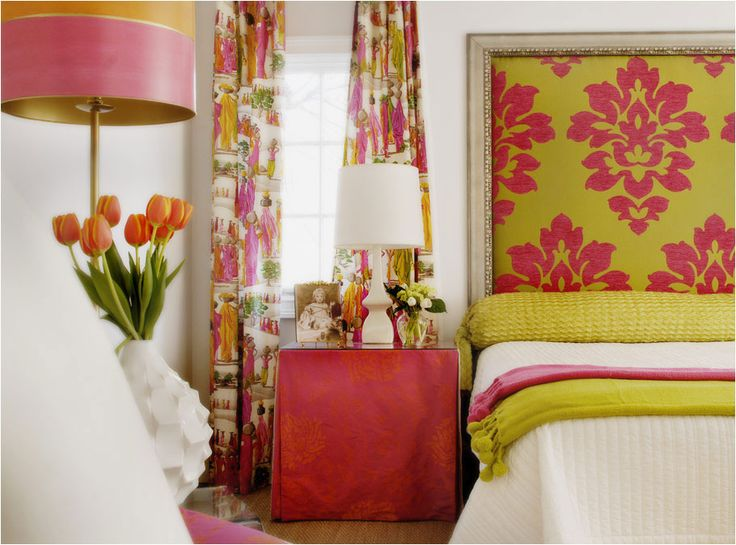 Lime green wallpaper and bedding fuschia red orange for Fuschia bedroom ideas