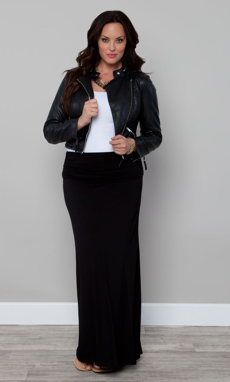 Pair our plus size Chameleon Convertible Skirt and Dress with a leather jacket to add that edge.  A chain link necklace would be the perfect accessory. #KiyonnaPlusYou #Plussize