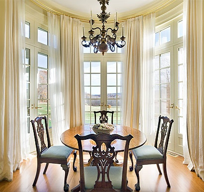 Round Breakfast Room Drumlin Hall Architect Peter Pennoyer Country CurtainsTraditional Dining