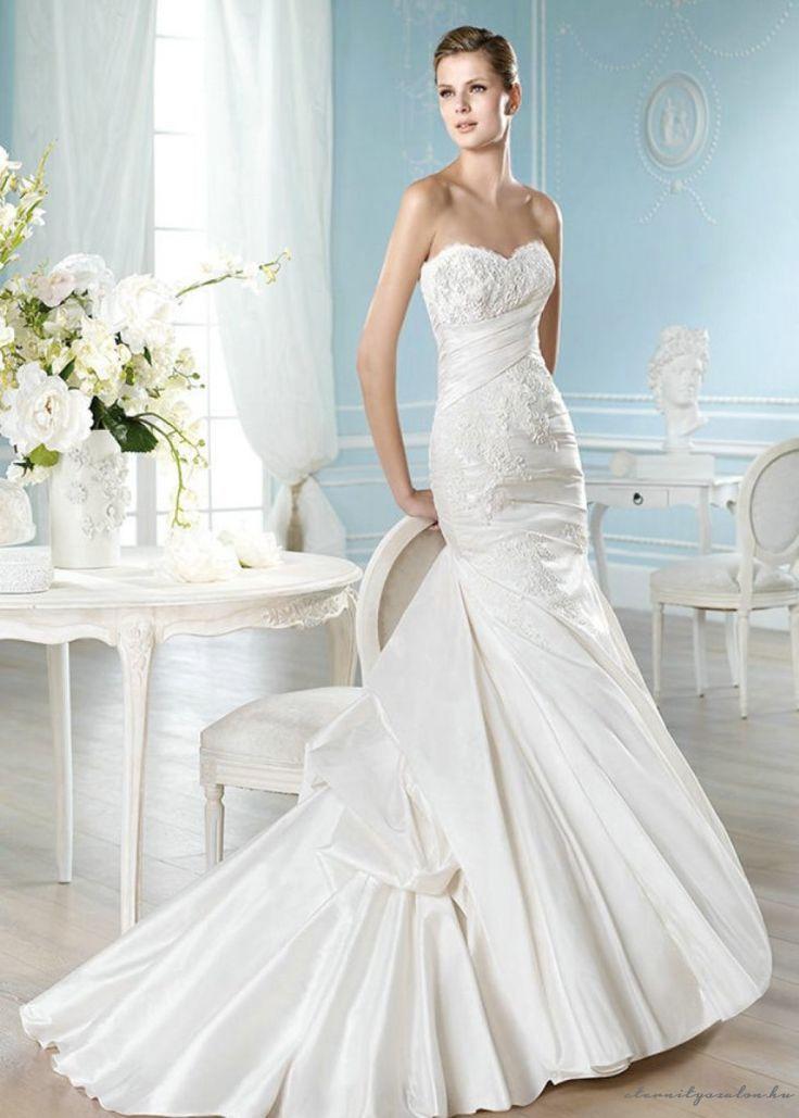 Nancy white csipke esküvői ruha