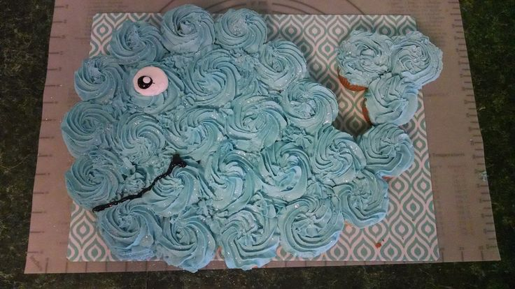 Whale cupcake cake, with buttercream icing