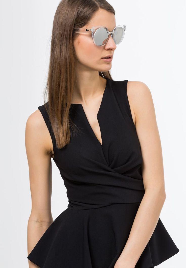 ¡Consigue este tipo de gafas de sol de Quay ahora! Haz clic para ver los detalles. Envíos gratis a toda España. Quay CHINA DOLL Gafas de sol clear/mirror: Quay CHINA DOLL Gafas de sol clear/mirror Ofertas   | Ofertas ¡Haz tu pedido   y disfruta de gastos de enví-o gratuitos! (gafas de sol, gafa de sol, sun, sunglasses, sonnenbrille, lentes de sol, lunettes de soleil, occhiali da sole, sol)