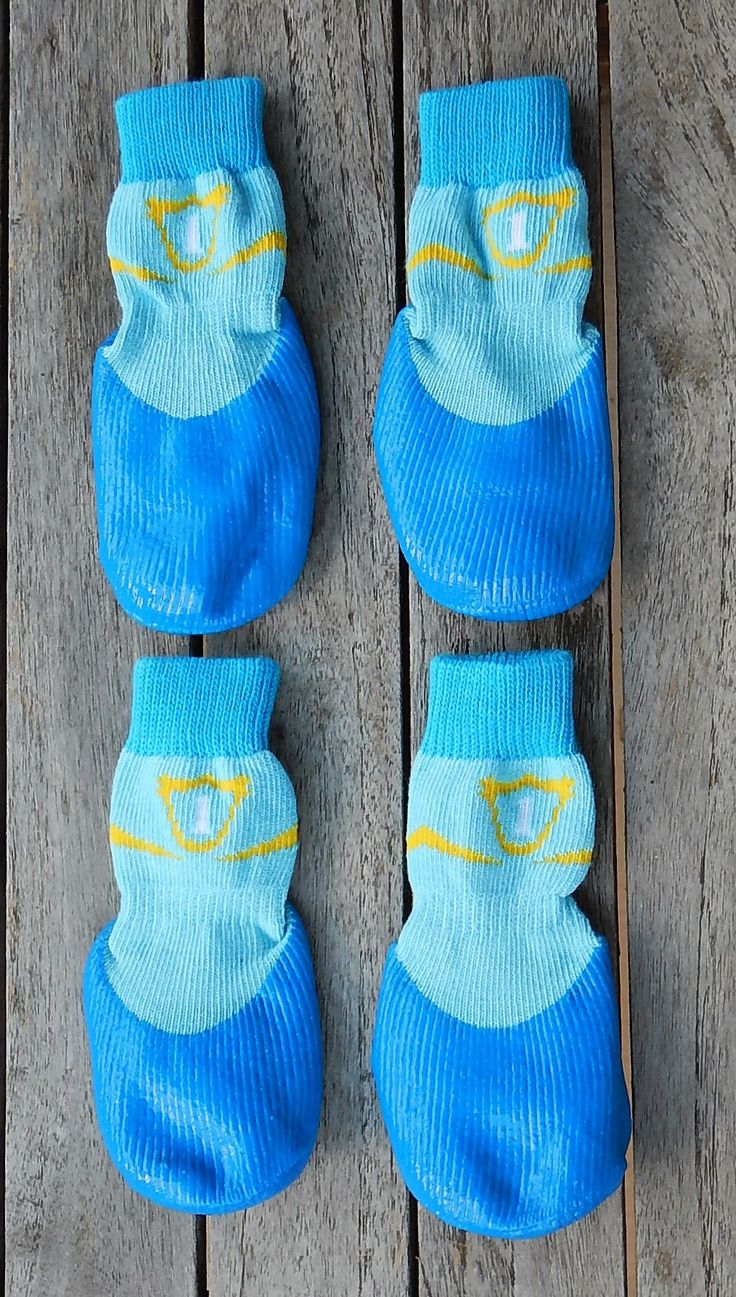 Protect your precious pooches feet during from the hot summer sidewalk or the cold winter freeze with your special dog socks. Complete with non-skid bottoms in set of 4. - Special design for the pet d                                                                                                                                                                                 More
