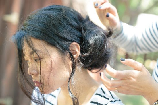 How To: Loose Side Bun Wedding Updo | A Practical Wedding