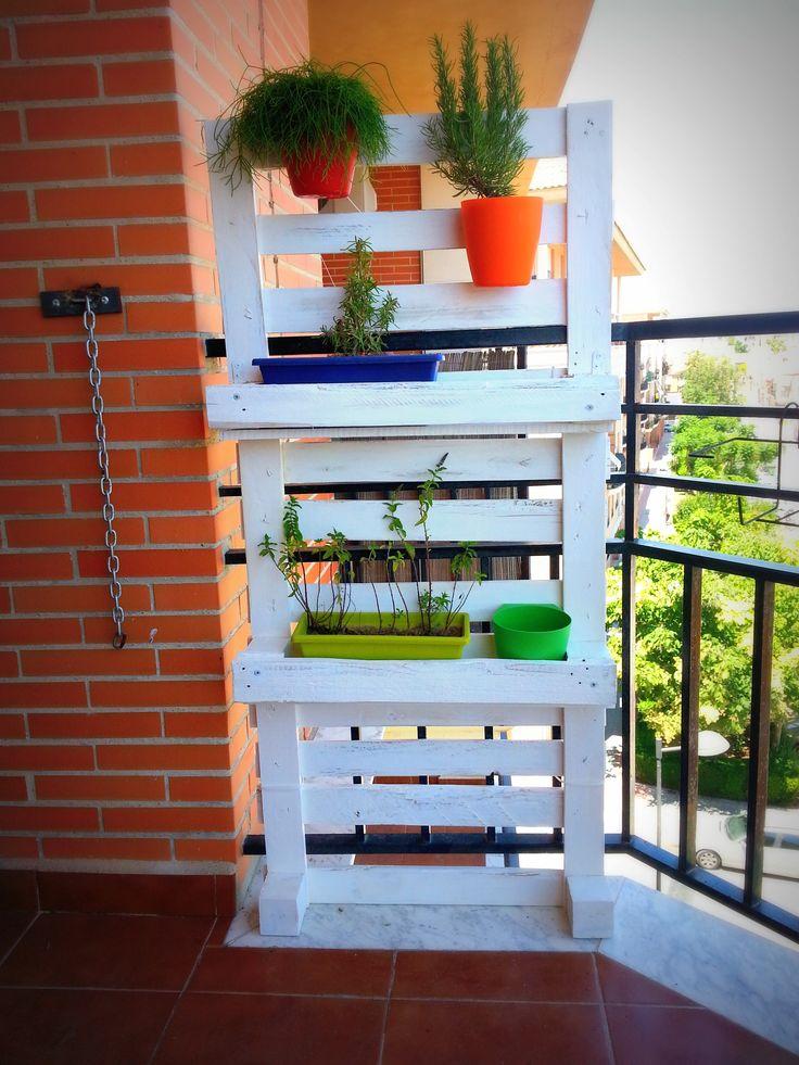 Jardinera de palets re creaciones con palets y cajas de - Jardineras con palets ...