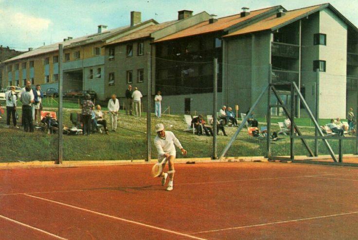 Oppland fylke Gausdal kommune Gausdal Høifjellshotell, Skeikampen tennisbanen 1970-tallet
