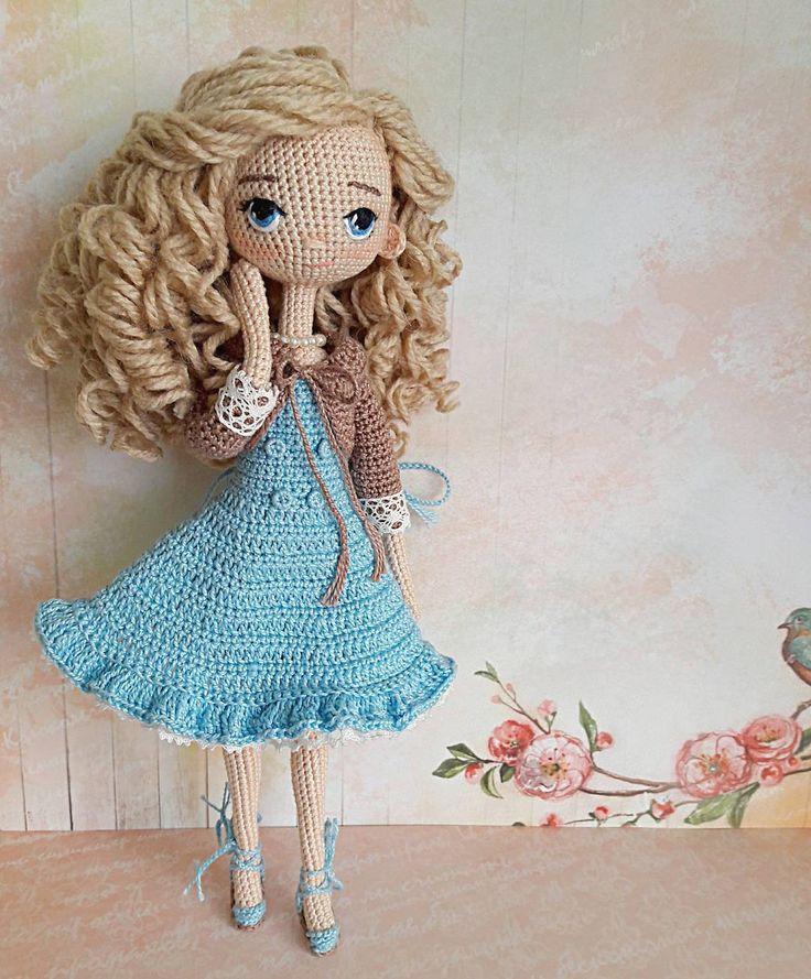 Добрый вечер, встречайте нежнейшее создание. Очередная кудряшка( не рыжая ), прям блондинка-блондинка Куколка связана на заказ, не продается.  #вязаныекуклы #куклакрючком #zontik_lena