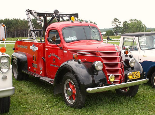 1940 International tow truck: Towtrucks, Style, Tow Truck