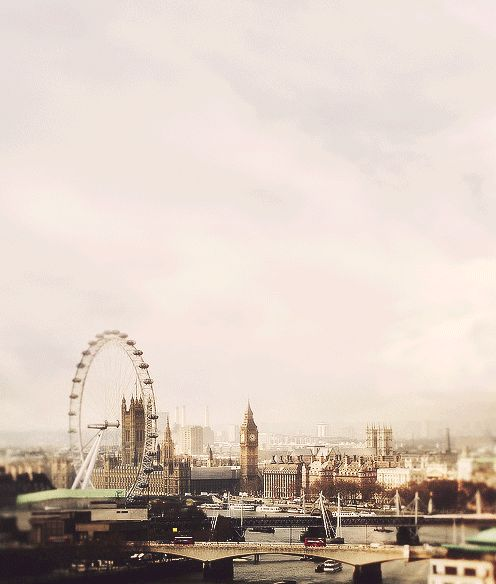"""We all know where this is from.-- I love how a normal person would say, """"Oh, that's London!"""" but we know what it really is... Aren't ordinary people adorable?<--- can add nothing to this post."""