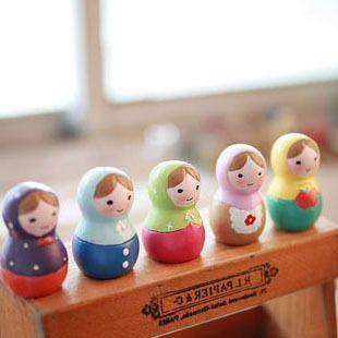 Handmade Traditional colorful Matryoshka Doll 5pcs/set,Zakka Resin /timber Russian Nesting Dolls Child Gift Decreasing Size Toy(China (Mainland))