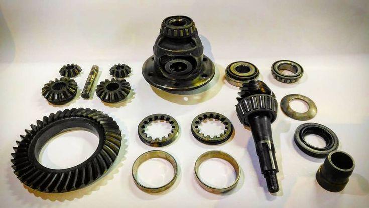 Old diff restoration . . .  #differential #transmission #bevel #gear #oldcar #vintagecar #historiccar #oil #work #workday #worktime #mechanics #rebuild #bearing