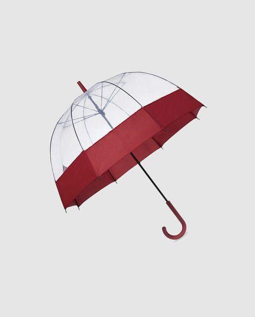 Paraguas transparente y rojo