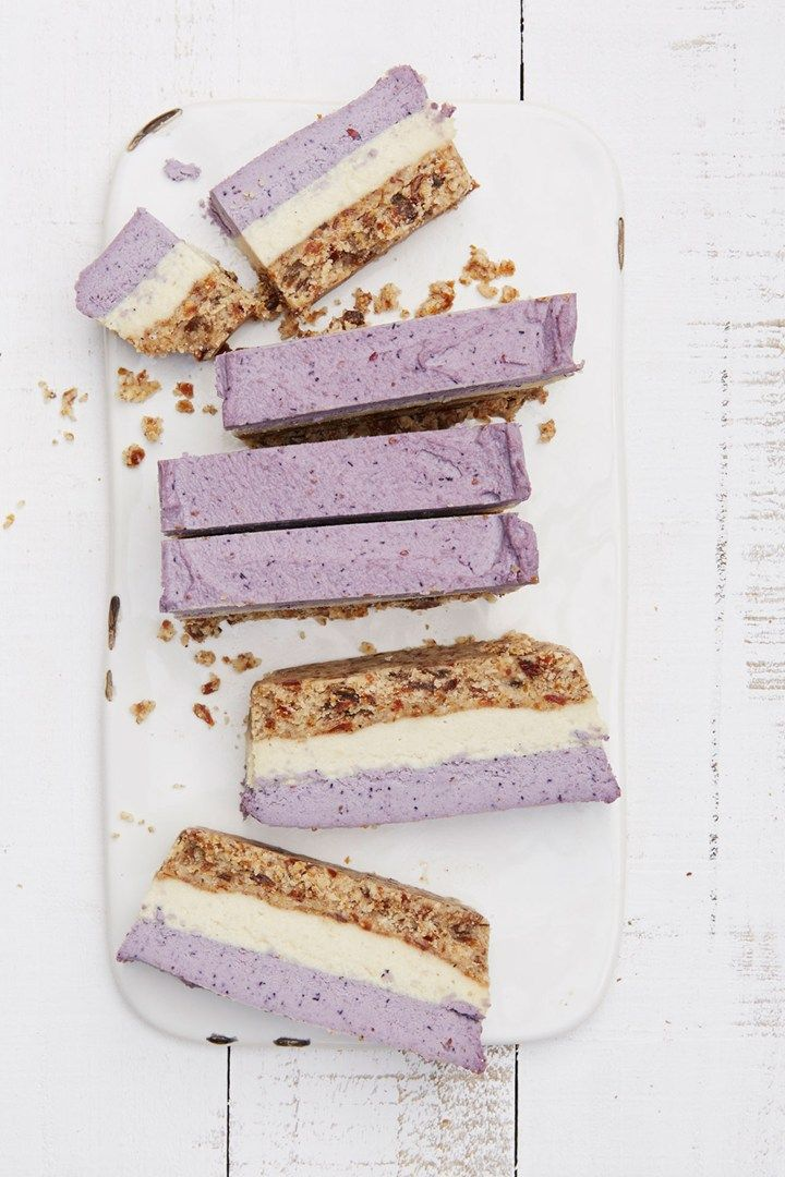 Raw Blueberry and Cashew Coconut Bars - Recipe