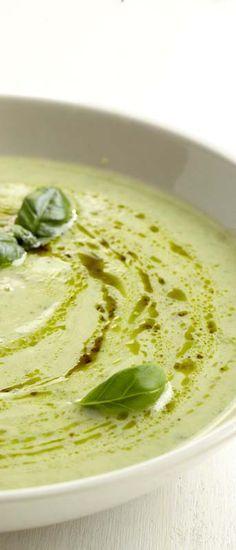 courgettesoep met mascarpone. (kippenbouillon vervangen door vegetarische variant).
