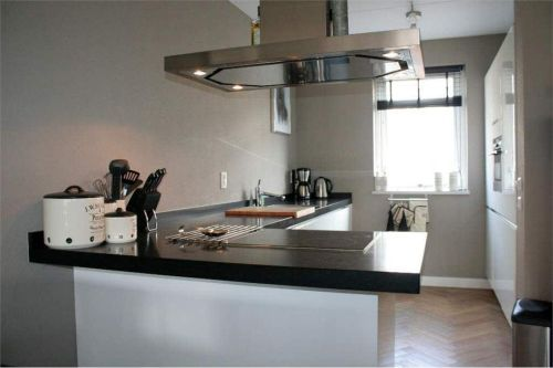 VRI interieur design keuken wit hoogglans