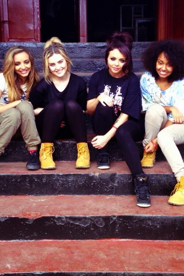 Awwww @Jesy Nelson @Perrie Edwards @Perrie Edwards @Leigh Anne Pinnock @Jade Thirlwall @Jade Thirlwall