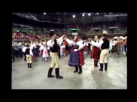 Bukovinai tánctanítás -- Fitos Dezső és Kocsis Enikő; Tarsoly zenekar - YouTube