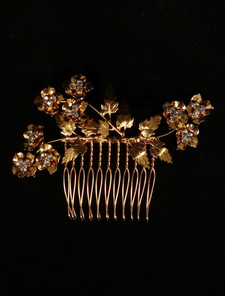 Feb 25, 2020 – This beautiful Jennifer Behr Aveline bridal hair comb is Brand New! The Aveline comb is a gorgeous floral…