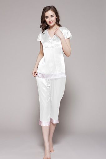 White color 100% pure and top quality womens silk pajamas are from online shop, which is made with custom plus size. $95 #pajamas #silk #lilysilk