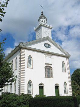 heute Der Kirtland Temple ist der älteste und ursprüngliche Tempel der Kirche Jesu Christi der Heiligen der Letzten Tage. Er wurde von 1833–36 in Kirtland, Ohio nahe dem Ufer des Eriesee errichtet, am heutigen Rand des Großraums Cleveland. Er…