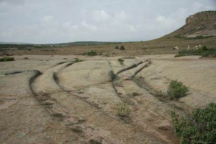 Ancient aliens 681099143634077114 - 12 Million-Year-Old Vehicle Tracks Found in Stone, Claims Geologist – Alien UFO Sightings Source by Ancient Myths, Ancient Aliens, Ancient Art, Ancient History, Creepy History, Haunted History, Strange History, History Facts, Asian History
