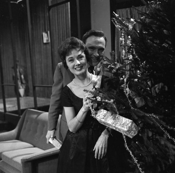 Photographic negative by Harry Hammond, 1957 - 1960 | Victoria and Albert Museum #Christmas #vintage