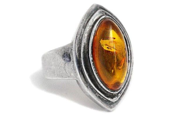 Bernsteinring Silber Vintage Handarbeit Amber https://tezsah.com/shop/de/schmuck/ringe/1403/bernsteinring-silber-vintage-handarbeit-amber