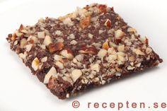 Nötchokladrutor - Mycket goda nötchokladrutor - mjuksega chokladrutor med knapriga nötter. Enkelt recept.