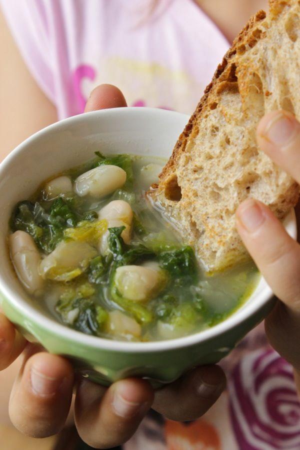 minestra-tiepida-di-scarola-e-cannellini-