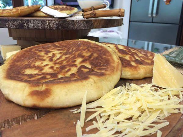 Pão Indiano De Frigideira - Khachapuri   Pães e Salgados   Mais Você   Receitas.com
