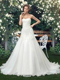 Robe de mariée bustier pas cher en dentelle et organza