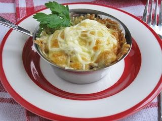 Самые вкусные рецепты: Жюльен с курицей и грибами.