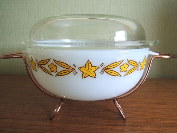 60s Lovely Yellow Flower Phoenix Bowl with lid by MizutamaLounge