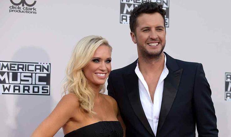 Luke and Caroline Bryan Sent Out the Best Christmas Card Ever (Of All-Time)