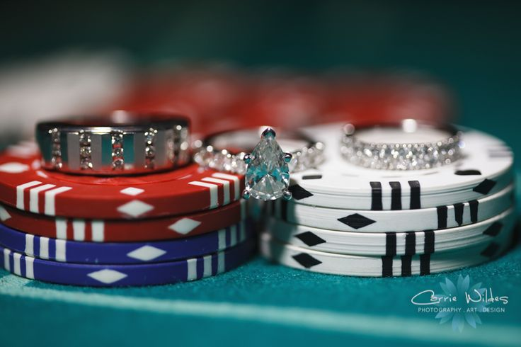 poker themed wedding ring picture