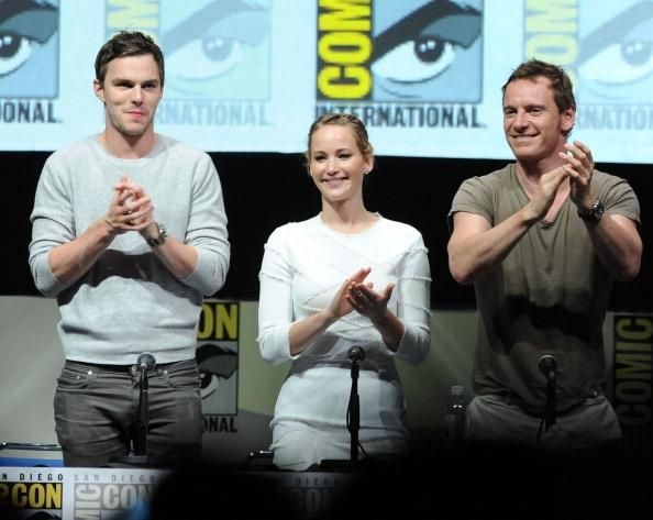 Nicholas Hoult Woos Jennifer Lawrence In 'X-Men: Apocalypse' Set? 'Hunger Games' Star Split With Chris Martin Because Of Age Difference? - http://asianpin.com/nicholas-hoult-woos-jennifer-lawrence-in-x-men-apocalypse-set-hunger-games-star-split-with-chris-martin-because-of-age-difference/