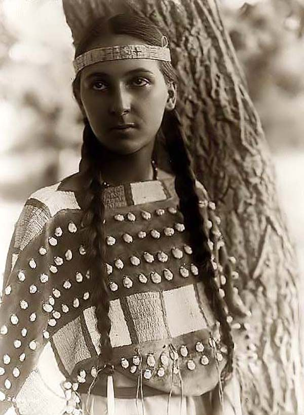 Young Native American Girl (Lucille) - taken in 1907 by Edward S. Curtis.
