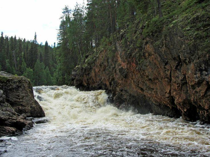 Kiutaköngäs rapids, Oulanka national park Kuusamo, Finland by Wolverica