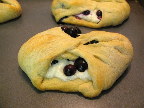 Super Easy Cheater Blueberry Danish - 3 WW points