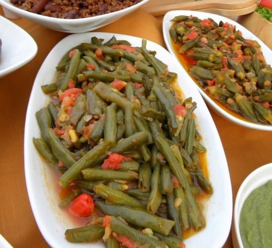 Loubia Bzeit (Lebanese Vegetarian Green Beans) | Hadia's Lebanese Cuisine (yumm this is very good)