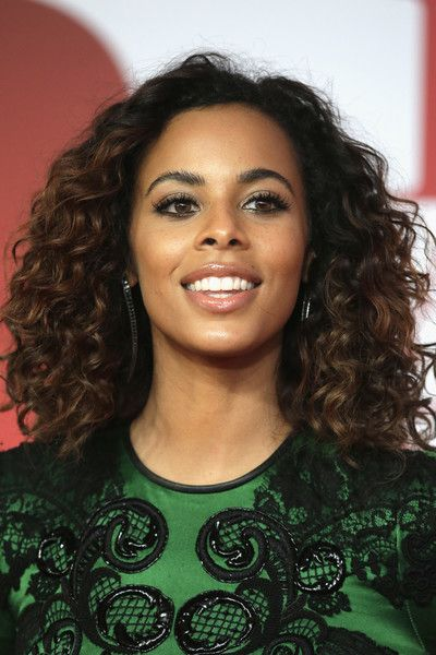 Rochelle Humes Photos - * EDITORIAL USE ONLY IN RELATION TO THE BRIT AWARDS 2018*  Rochelle Humes attends The BRIT Awards 2018 held at The O2 Arena on February 21, 2018 in London, England. - The BRIT Awards 2018 - Red Carpet Arrivals