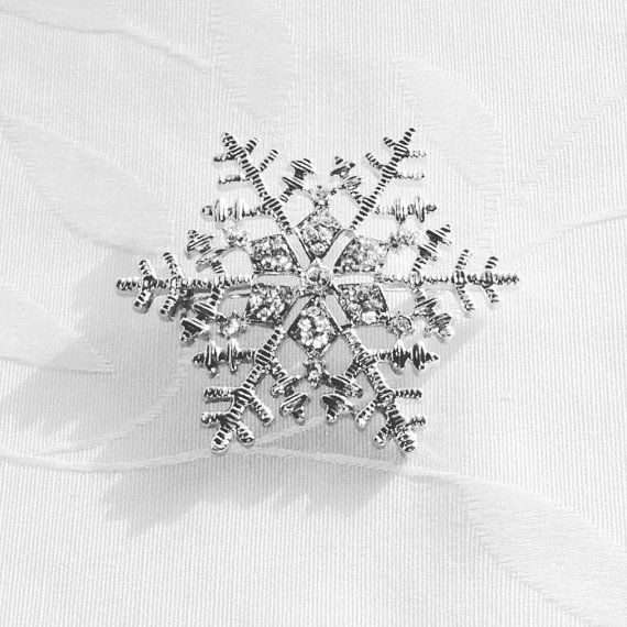 Vintage Snowflake Brooch Estate Jewelry 1970s by NorthCoastCottage