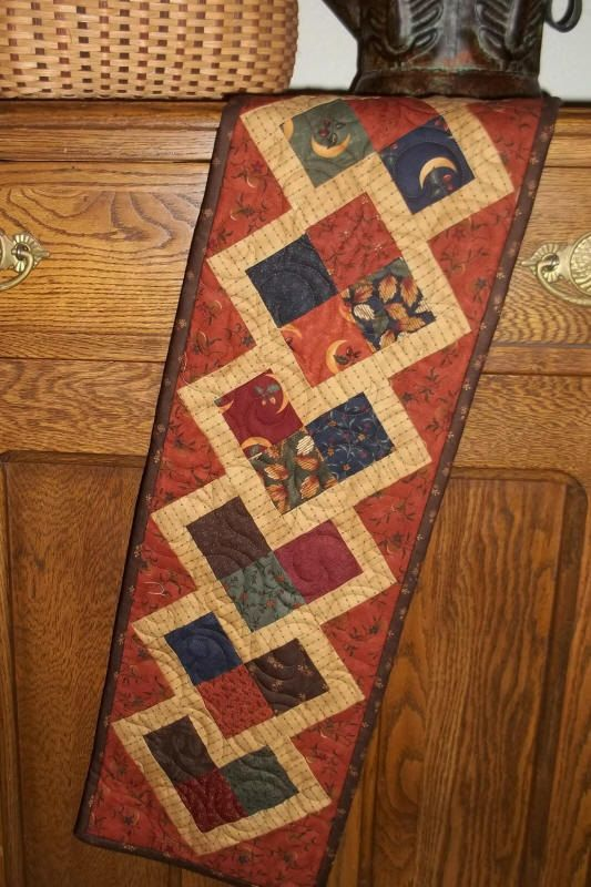 1000 images about table runners on pinterest runners for Table runner quilt design