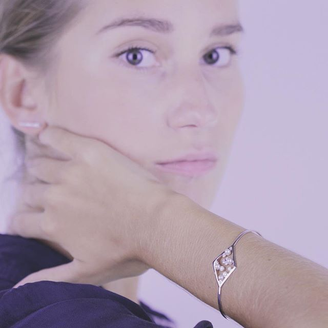 The details, are not the details. They make the design. Charles Eames www.AfewJewels.com  #afewjewels #jewel #gold #white #pearl #diamond #model #design #detail #instamood #amazing #art #jewelry #christmas #tiharejacobs #fahion #style #mode #goodnight #charles #charleseames #bestoftheday