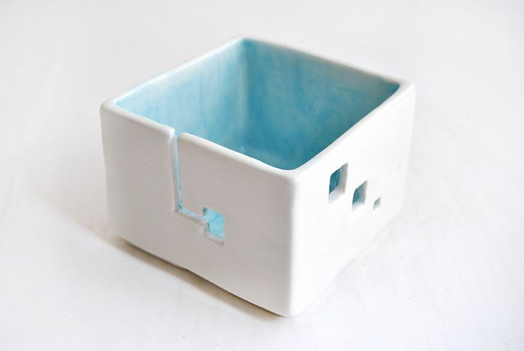 Ceramic Blue Yarn Bowl, Cube Shaped. Knitting Bowl, Square Yarn Bowl. Made To Order by Barruntando on Etsy https://www.etsy.com/listing/199701652/ceramic-blue-yarn-bowl-cube-shaped