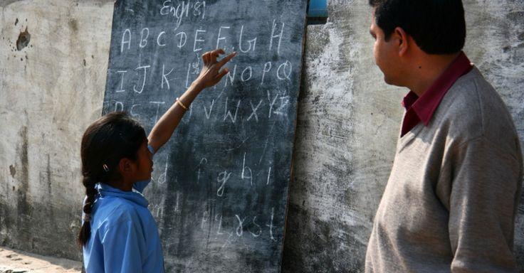 Fundada em 2005, Educate Girls espera atingir mais de 1,8 milhão de crianças até 2016, o que significa passar das atuais 5.000 para mais de 18 mil escolas na Índia. A organização tem o objetivo de melhorar o acesso e a qualidade da educação para meninas pobres.  Fotografia: Divulgação.