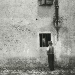 13359982_la-fotografia-il-neorealismo-in-italia-1945-1965-museo-di-roma-in-trastevere-1.jpg (300×300)